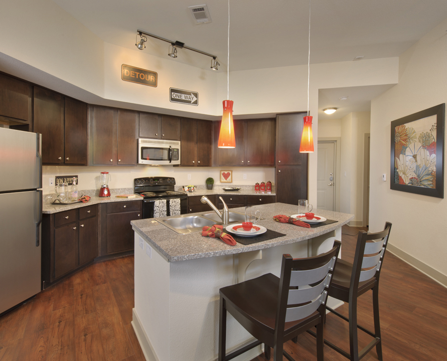 Kathy Andrews Interiors Asset Plus Student Housing 25Twenty Lubbock TX 2B kitchen lo-res cropped