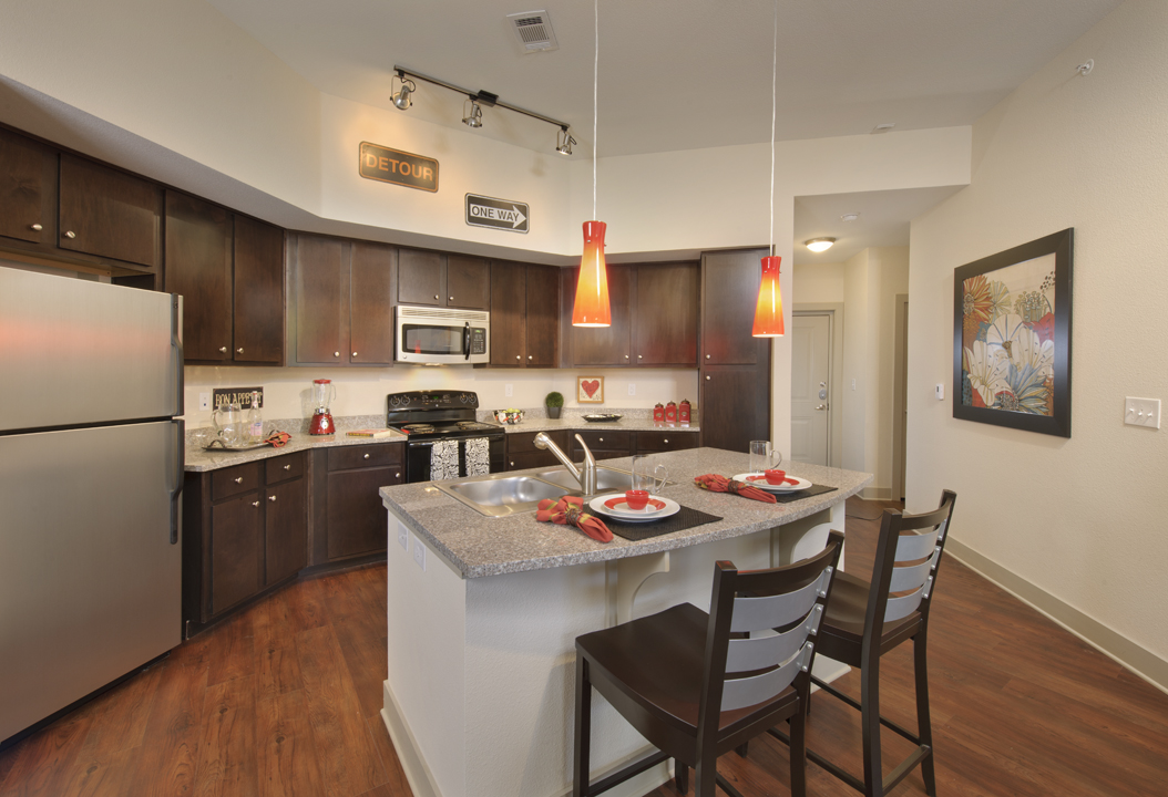 Kathy Andrews Interiors Asset Plus Student Housing Model 25Twenty Lubbock TX 2B Kitchen lo res