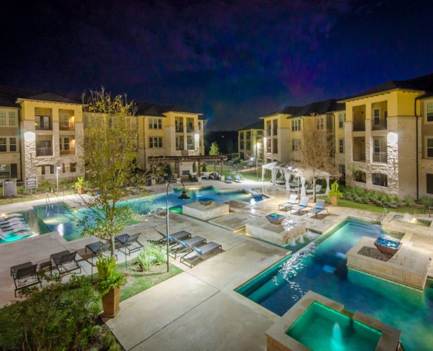 Kathy Andrews Interiors Multifamily Leasing and Amenity Center Grand at the Dominion Outdoor 2